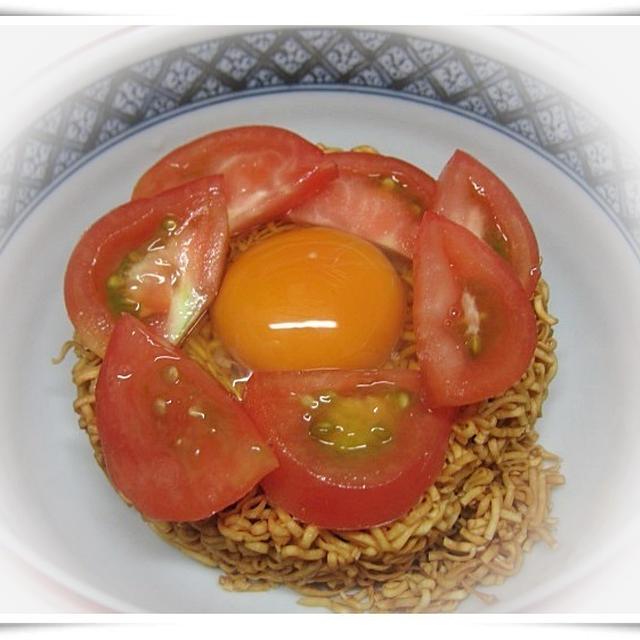 日清チキンラーメン+トマト☆美容と健康にはやっぱりトマト♪