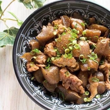 ご飯がすすむカサ増しレシピ!こんにゃくと豚肉の甘辛煮*風邪予防にマヌカハニー