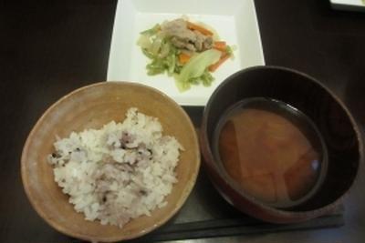 野菜炒めで夕ご飯