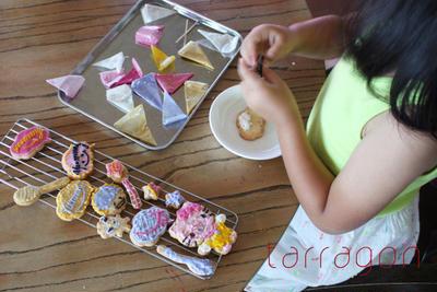 さーたんのアイシングクッキー、そして飾り巻き寿司3種にパテドカンパーニュというハードレッスン!