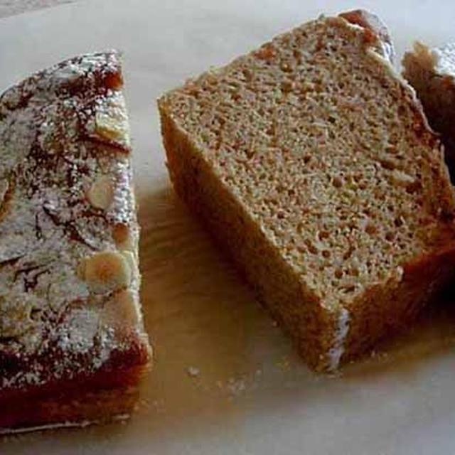 アーモンドとバナナのパウンドケーキ