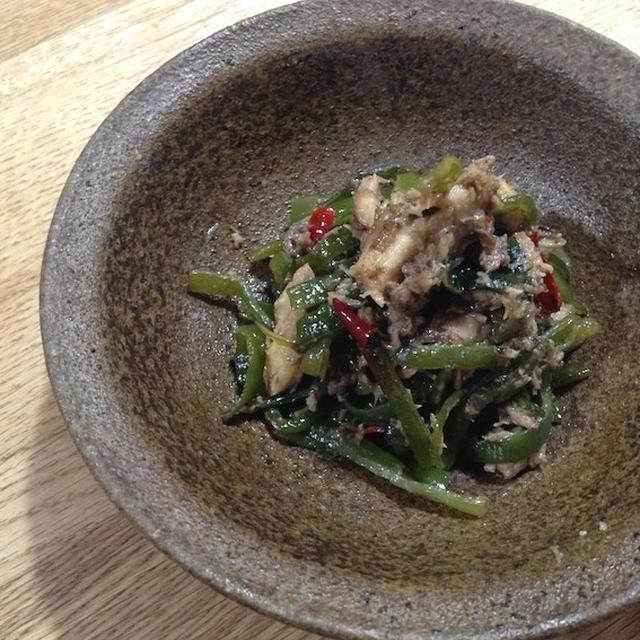 短時間でご飯によく合う一品 「茎ワカメと鯖のピリ辛炒め」