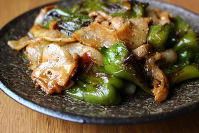 万願寺とうがらしと豚バラ肉の甘辛炒め