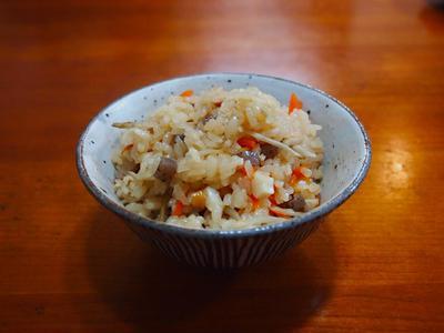 麺つゆで簡単かやくご飯