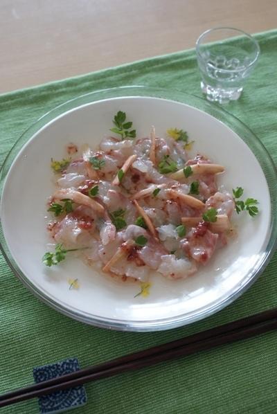 鯛のカルパッチョ フレッシュいちごソース