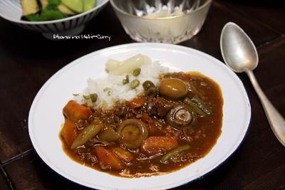 ビーフカレー(マッシュルーム丸煮いり)