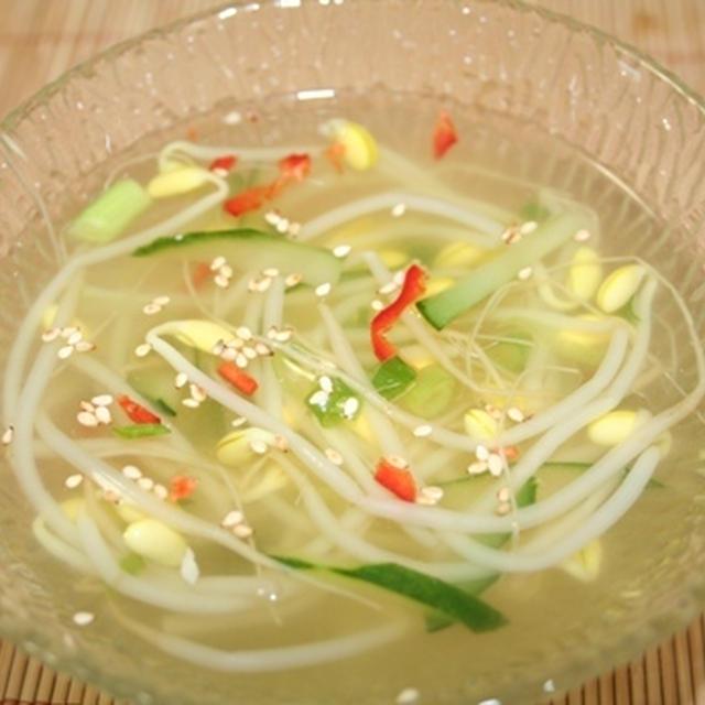 コンナムルネングッ(콩나물냉국) -- 豆もやし冷スープ
