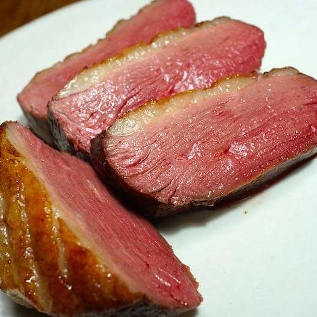 低温調理で鴨胸肉を調理する