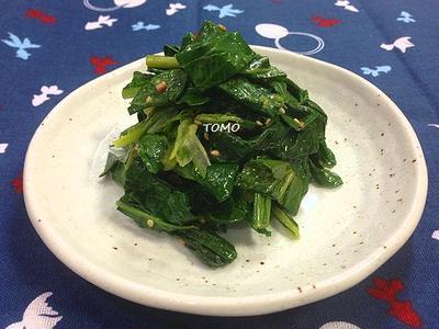 レンジで簡単♪お弁当にも!小松菜のふりかけ和え