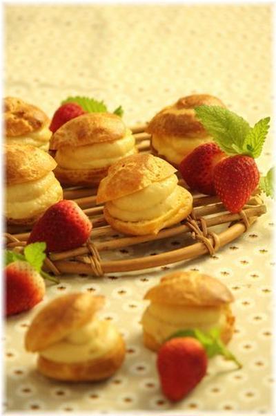 パン生地仕立てのシュークリーム。