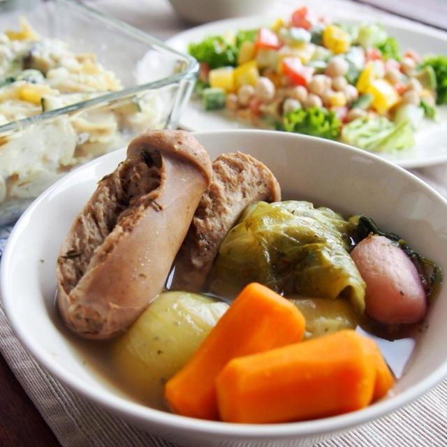 スパイスとコンソメで☆ウインナーとごろごろ野菜のポトフ と ジャーサラダのレシピ
