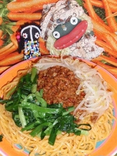 担仔麺(タンツーメン)風冷麺&コーンのヴィネガーサラダ(お家カフェ)