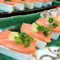 【レシピ】遊び心満載★簡単★おつまみにも【サーモンやっこ寿司〜冷奴〜】