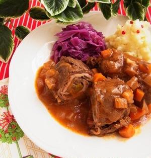 ひと鍋ドイツ料理 * 牛肉ロールの煮込み リンダールラーデン - Rinderrouladen