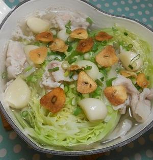 にんにくたっぷり塩麹キャベツ鍋