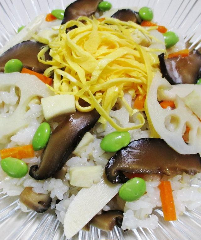 ちりめんじゃこと椎茸のばら寿司