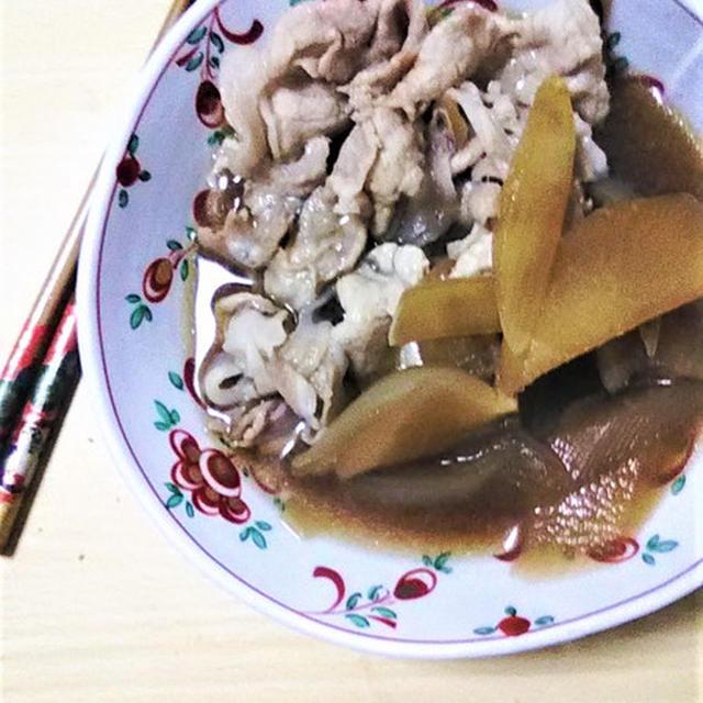 大根と豚肉のすき焼き風煮込み。