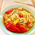 サッポロ一番しょうゆラーメンをアレンジ♪ピリ辛トマト麺♡ by Lau Ainaさん