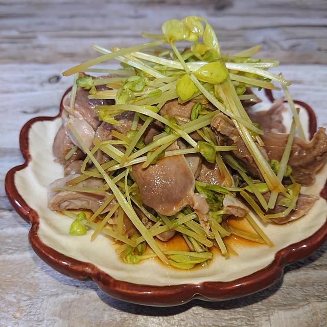 焼肉のタレで豆苗と砂肝