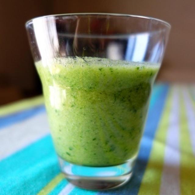 【鉄分補給レシピ】小松菜のグリーンスムージー【#スムージー #貧血予防】