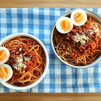 スパゲッティ・ミートソース弁当と肉野菜炒め定食