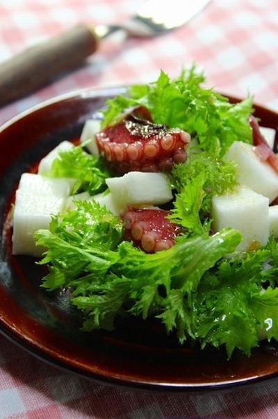 ピリッと辛味が美味しいわさび菜と蛸の柚子こしょうサラダ