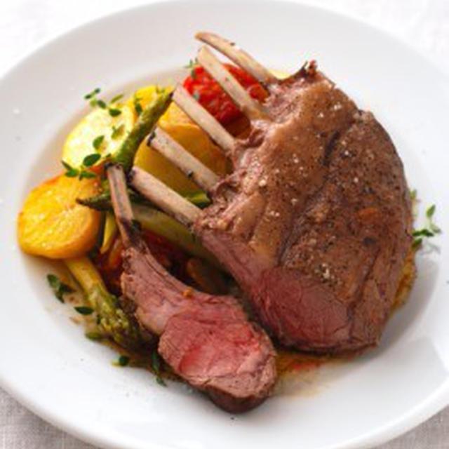 仔羊の背肉のロースト、夏野菜添えCARRE D'AGNEAU ROTI AUX LEGUMES D'ETE