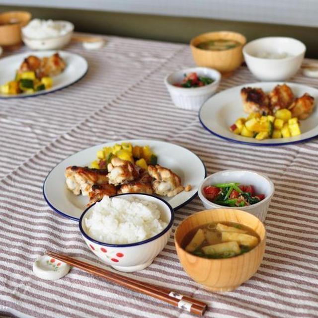 手羽元マヨぽんグリルと芋イモ南京のバター蒸し、茄子カレー弁当