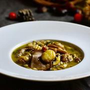 【イタリアの美味しい秋】栗とポルチーニ茸のスープ