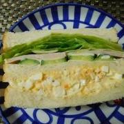 お昼はサンドイッチにしました^0^