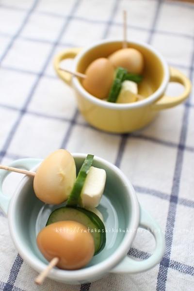 【うずらの燻製卵でピンチョス】