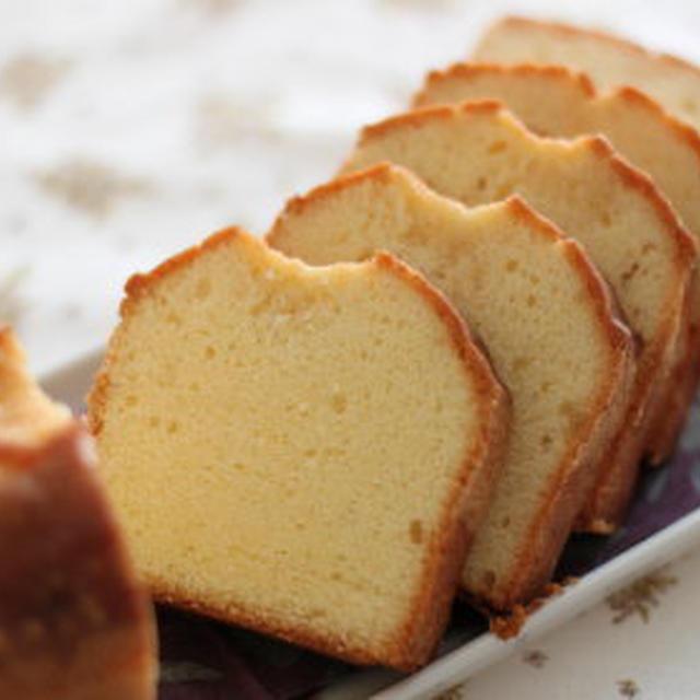 バニラのパウンドケーキとさつま芋の蒸しケーキ