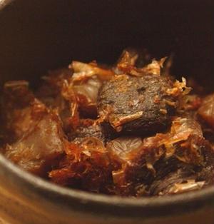 こんにゃくと椎茸の甘辛おかか煮。