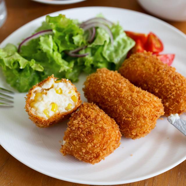 【レシピ】とうもろこしのクリームコロッケ 《旬の甘さが最高♡失敗なし!》