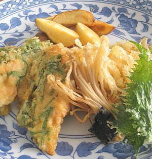 鶏ささみとエノキ茸の天ぷら