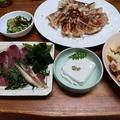 鰹の刺身と胡麻豆腐と餃子