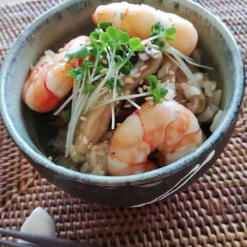 ごま香る~海老&きのこの混ぜご飯~ゆず胡椒風味