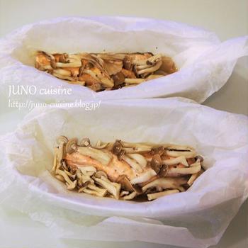 めんつゆで簡単味つけ♪☆秋鮭とキノコの包み蒸し☆
