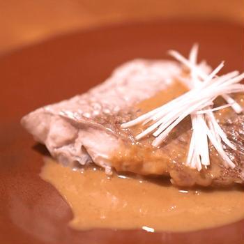 【ふわふわ蒸し鯛のごまだれ風味】レシピ動画