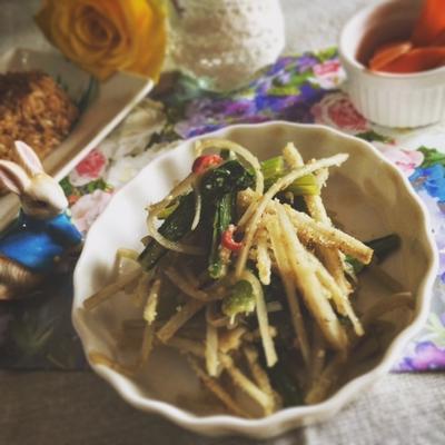副菜に☆ピリッと♪ごぼうと小松菜のきんぴら