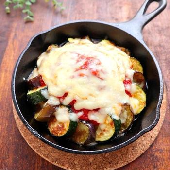 茄子とズッキーニのトマトチーズグリル【#スキレット #ロッジ #グリルパン】
