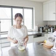 【おいしい暮らし】洋菓子研究家たけだかおるさんに聞く、お菓子づくりが苦手な人が試すべきことって?
