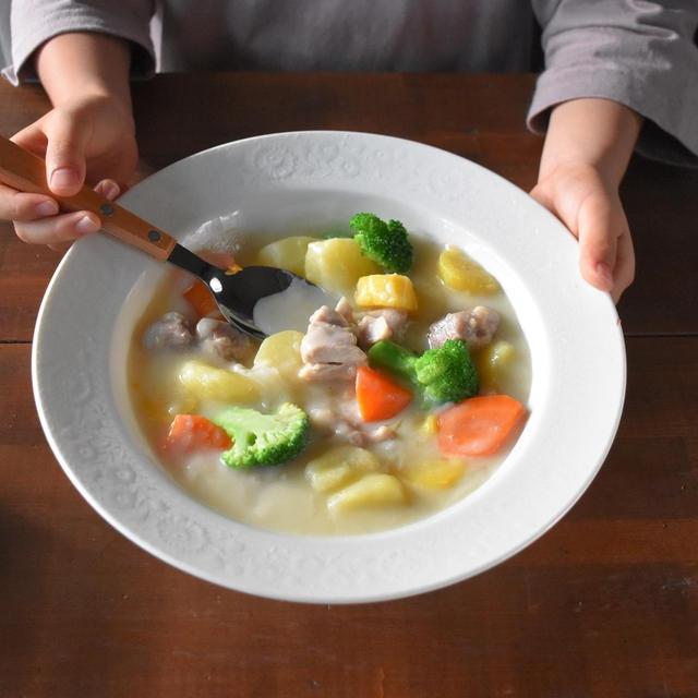 ママ料理家 楠さんちのホットクックレシピVol.11【クリームシチュー】コラムが公開中です!