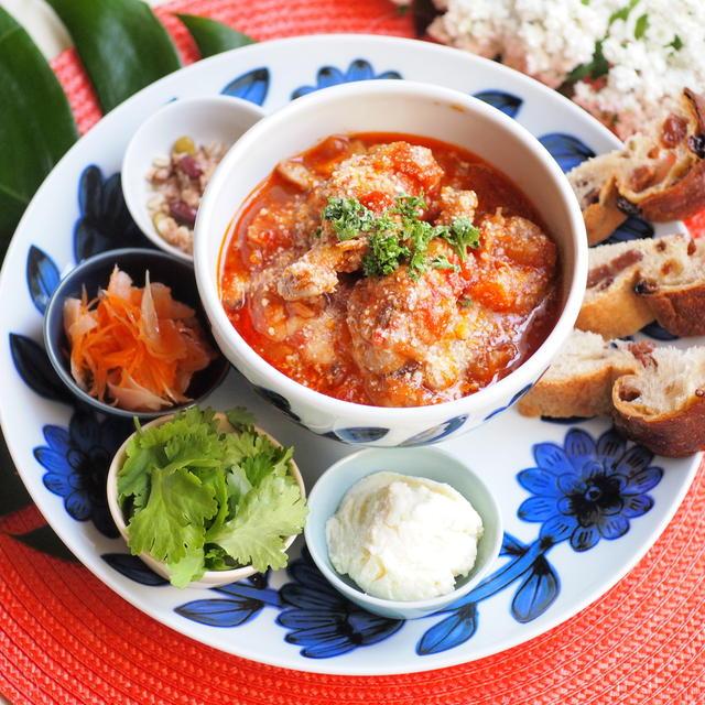 鶏手羽元のトマト煮込み