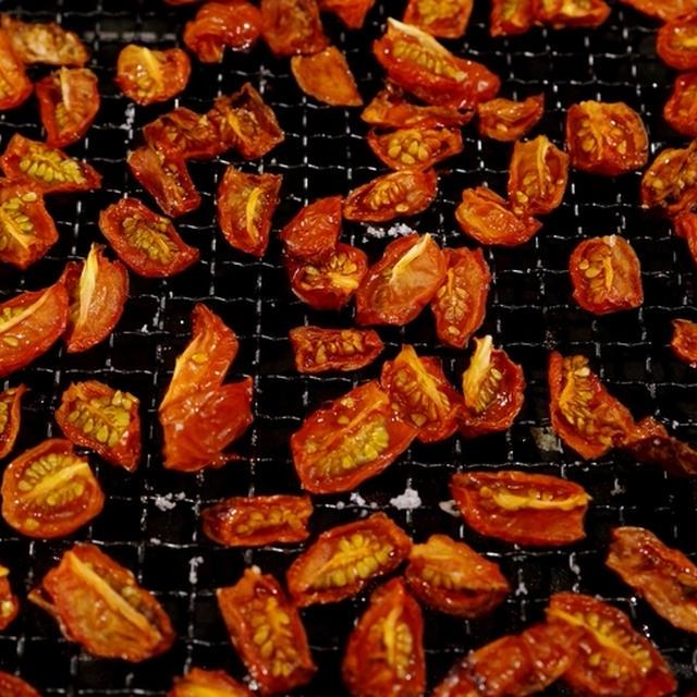 【ノンフライ熱風オーブンならではの セミドライ焼きトマト作り。】他「フライ/Re;cook調理・新米」など♪