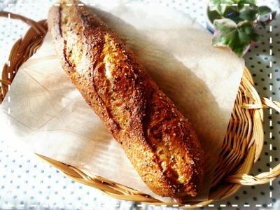 ストレスフリー♬真夜中発酵で美味しい焼きたてソルトトップセサミバゲットモーニング(*´з`)