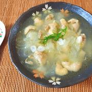 味付け塩のみ。大変美味しい鶏皮オニオン大蒜生姜スープ(糖質9.3g)