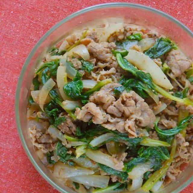 ご飯に合う〜作り置きで簡単お弁当!牛肉とセロリの葉の旨辛スパイス炒め。