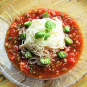 カレー風味のガスパチョ麺