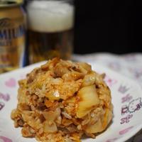 豚キムチ炒飯とプレミアムモルツ